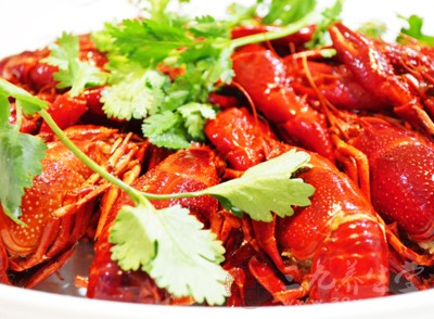 烹饪小龙虾一定要高温煮透