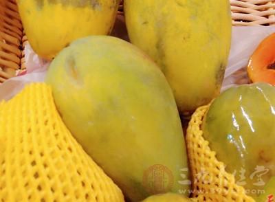 木瓜对于刚生产过后的产妇来说是很好的一种水果