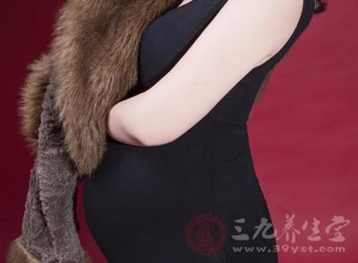不过在孕晚期,还是控制一下喝孕妇奶粉的量,晚期胎儿大的快
