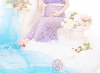 52岁失独产妇诞下龙凤胎