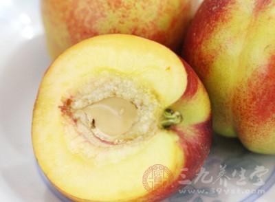 坐月子可以吃桃子吗 月子期间要注意什么