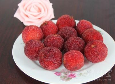 有许多产妇想吃杨梅但有不知道是否可以吃