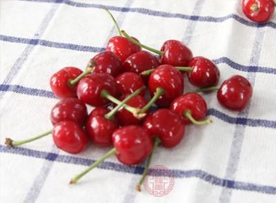 坐月子可以吃樱桃吗 吃樱桃的好处竟这么多