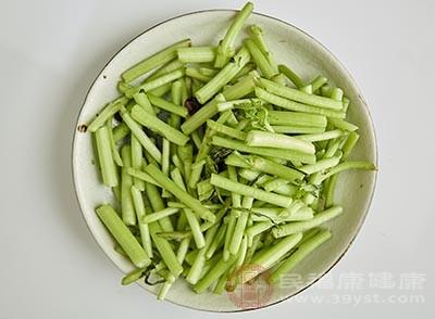 茼蒿中含有丰富的膳食纤维