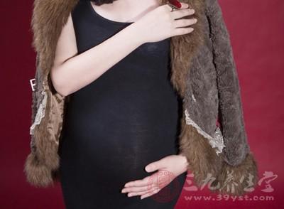 高龄孕妇产子有危险 到底危险在哪里?
