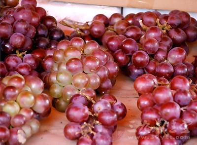 哺乳期能吃葡萄吗 葡萄有哪些功效