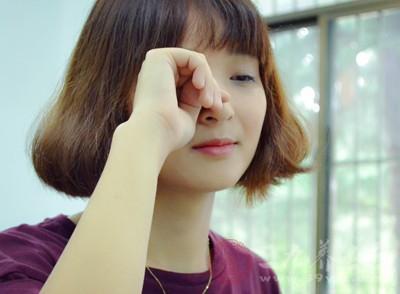 去眼袋的方法 教你四个小妙招去除眼袋