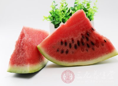 例如苏州、湖州等处,按例要在立秋这天吃西瓜