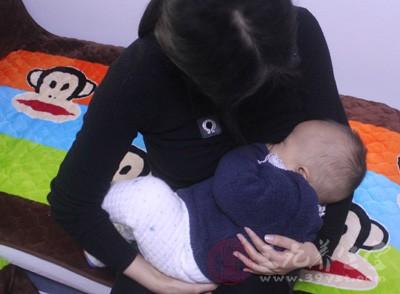 宝宝拉肚子吃什么好的最快 如何预防宝宝腹泻