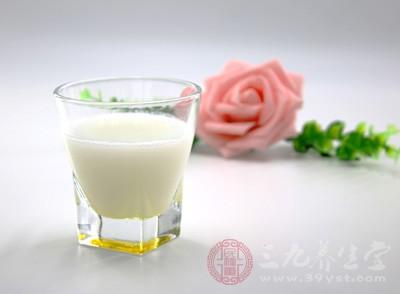 牛奶的食用禁忌 不注意这5点牛奶就白喝了