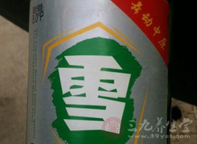 金星啤酒涉嫌商标侵权 数万瓶雪啤被工商查封