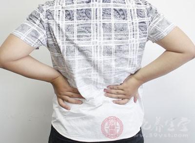 腰肌劳损有哪些症状 请对照以下7条测一测你有没有