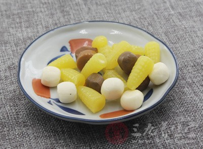 栀子蓝是一种着色剂,常用于冷冻饮料、糖果、配制酒固体饮料等食品中