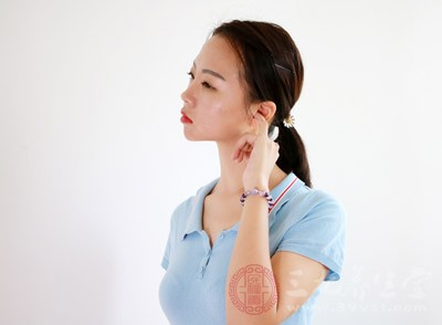 预防耳内进水,防止外耳道发炎