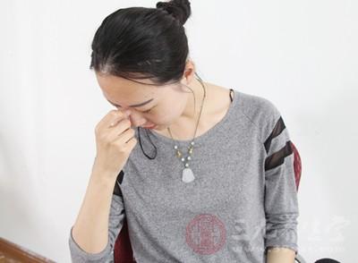 腹痛,表现为小腹坠痛、单侧或双侧疼痛