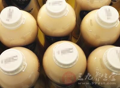 合肥两消费者花7元购两瓶乳酸菌饮品喝完腹泻