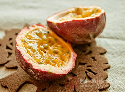 百香果中含有很多种水果的特殊芳香