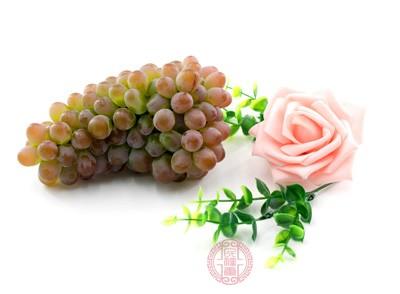 葡萄是什么 吃完葡萄拉肚子你可能是犯了这错