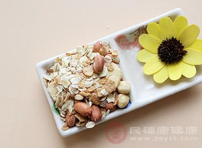 燕麦中膳食纤维含量丰富