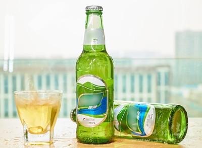 贴上假标识冒充泰山原浆 假啤酒销售窝点被查