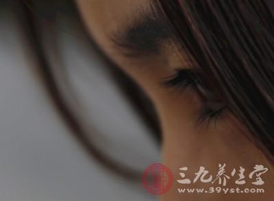 眼皮一直跳是怎么回事 导致眼皮跳的原因