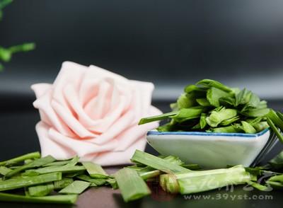 蜂蜜和韭菜同食引起心病