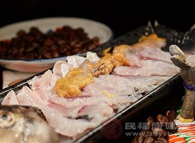 鸡肉不能和什么一起吃 和它一起吃竟会中毒