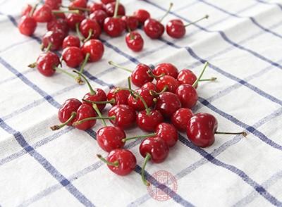 樱桃中的血清素与褪黑激素配合使用