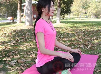 练习瑜伽可以让你形体更加完美