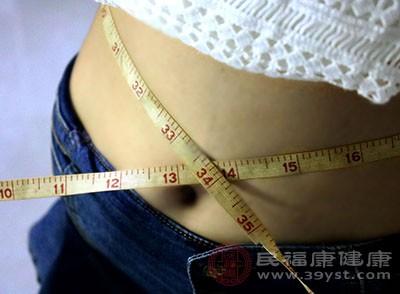 食醋中含有的氨基酸可以消耗人体脂肪