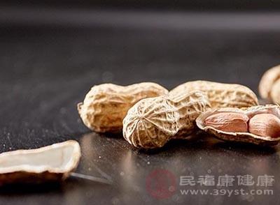 花生属坚果类,蛋白质和脂肪的含量过高