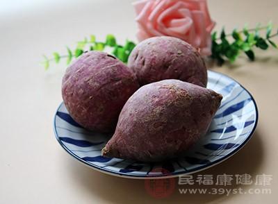 红薯中的膳食纤维可以把人体里的毒素和多余的脂肪给排解出来