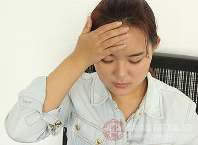 类风湿关节炎所致炎症会让人感到不适和发烧