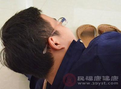 男人失眠怎么办 这样按摩头部缓解失眠症状