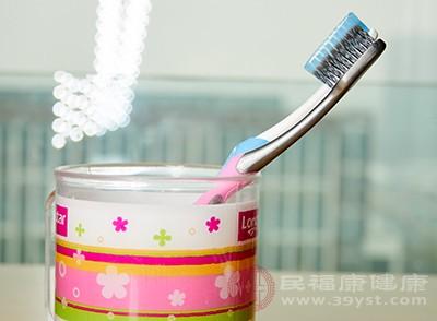 刷牙方法错误