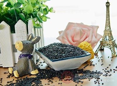 黑芝麻中富含丰富的天然维生素E