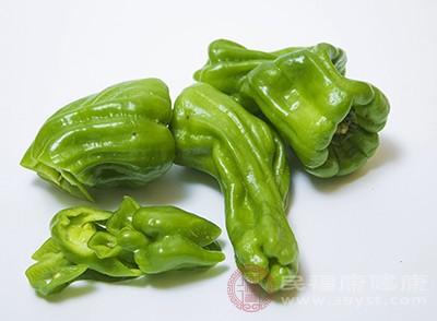 一个绿色甜椒所含的维生素C是人体每日所需量的两倍