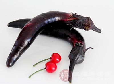 紫茄中含有维生素C和皂草甙