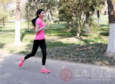 运动后肌肉酸痛怎么办 运动后正确的放松动作