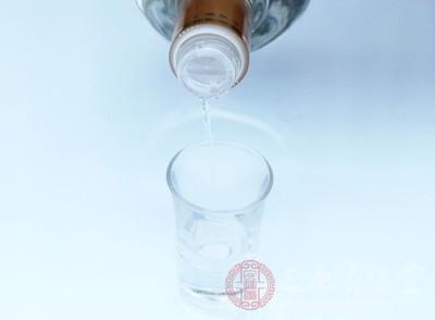 黑龙江这2批次问题酒被曝光 来自大庆铁力