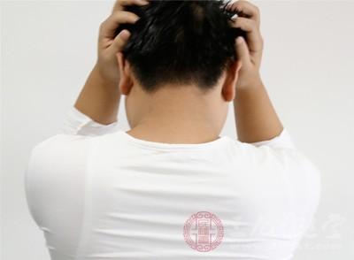 患者常常是深夜由于关节疼痛惊醒,之后疼痛加剧,难以忍受