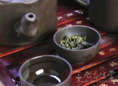 """黑茶宣传降""""三高""""消费者诉欺诈"""