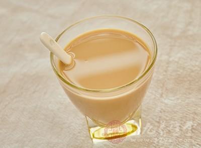 多数奶茶原料无质量保证 奶粉更是以次充好
