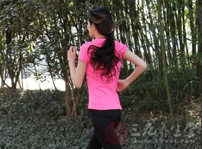 加强运动,坚持体育锻炼