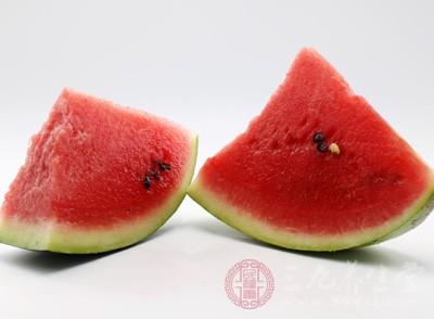 來月經可以吃西瓜嗎 經期這些水果都不能吃