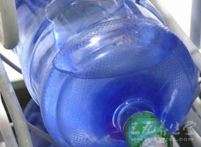 天津曝光4批次问题食品 饮用水亚硝酸盐超标3倍
