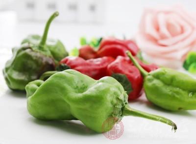 辛辣类:包括辣椒、葱、蒜、酒、生姜、韭菜、葱等