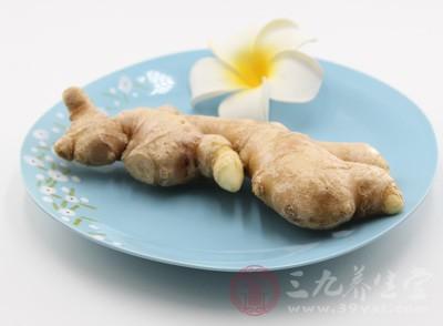"""在我国有一句古话说:""""早上吃姜,胜过吃参汤;晚上吃姜,等于吃砒霜。"""""""