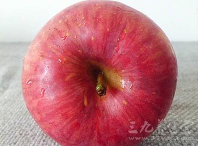 天水花牛苹果具有肉质细密、松脆多汁、香气浓郁等特点