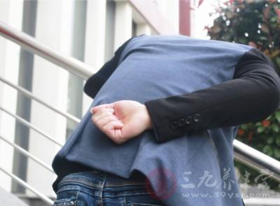 痛风的症状 这些生活习惯竟导致痛风